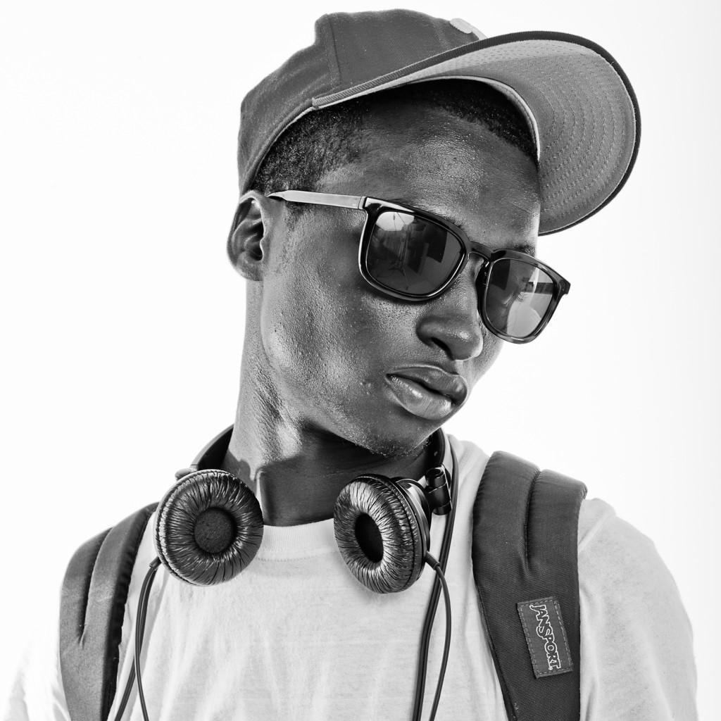 Boy-Headphones-Static10