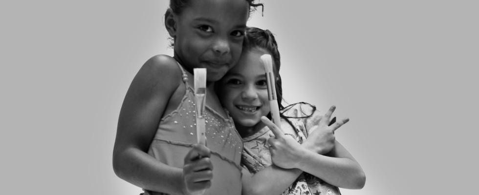 Little-Girls-Paintbrushes-Static093-980x400